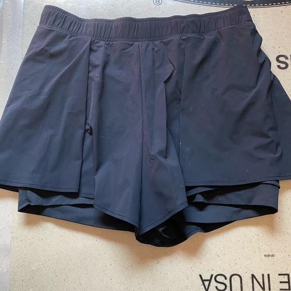 Lululemon compression shorts with overlay